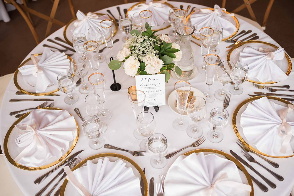 White, Pink, Gold Tablescape at Wedgewood Boulder Creek