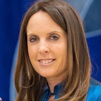 Julie Hilton