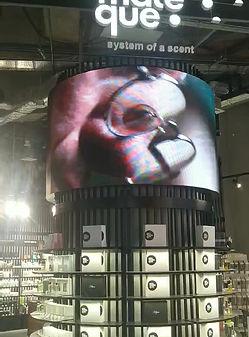 LED экраны в оформлении ТЦ 95 г. Кривой рог. Полноцветная бегущая строка 115 м и видео борд.