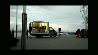LEd  видео экран на автомобиле.