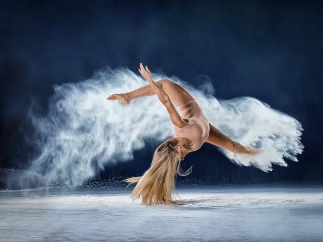 Tänzerin & Akrobatin