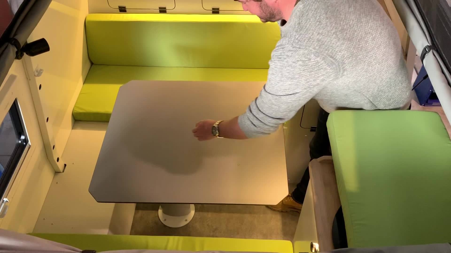 Transformation banquette / lit avec notre table 3D.