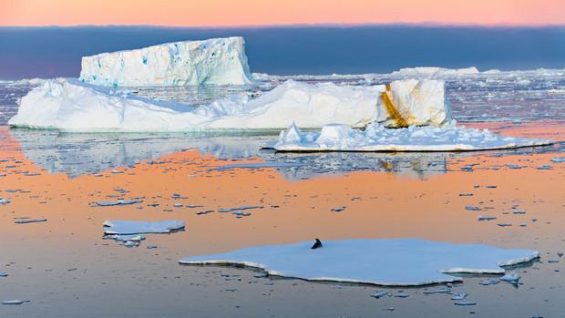 Coucher de soleil sur l'Antarctique