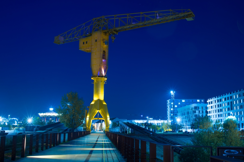 Nantes, grue jaune
