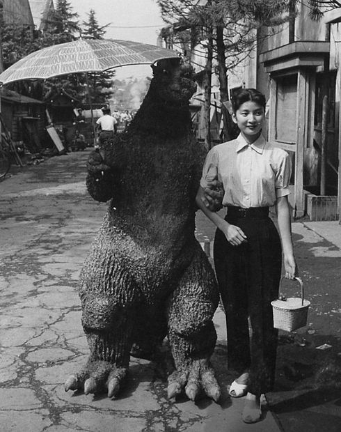 godzila-behind-the-scenes5.jpg