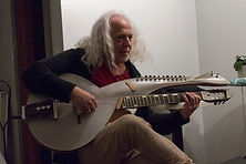 David-Torn-with-Multi-at-the-Woodstock-luthier-showcase.jpg