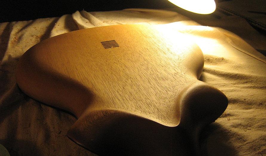Kouai-workbench-back-carving.JPG