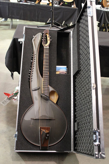 Multi-2-Thierry-Andre-Instruments-in-flight-case