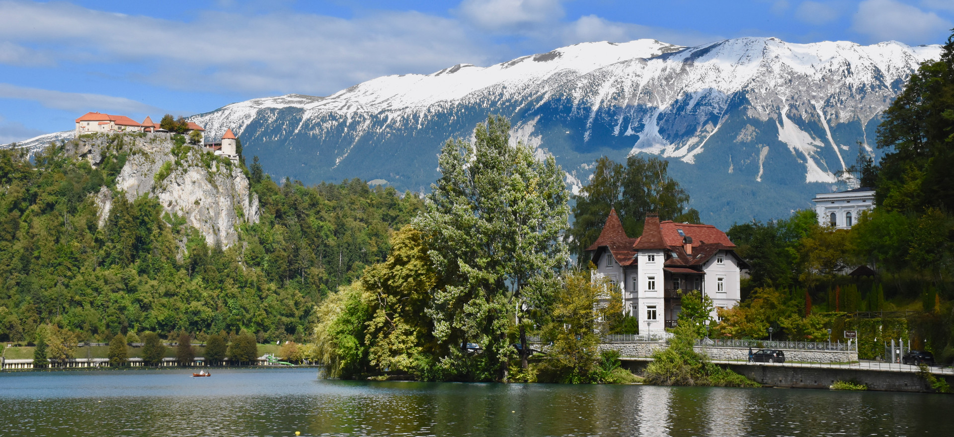 Villa Adora has a perfect setting by the lake