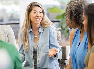 Mid-adult-mother-discusses-peer-pressure