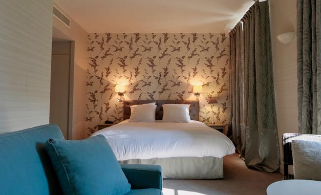 Chambre_superieure_2_Hotel_Le_Square_Ast