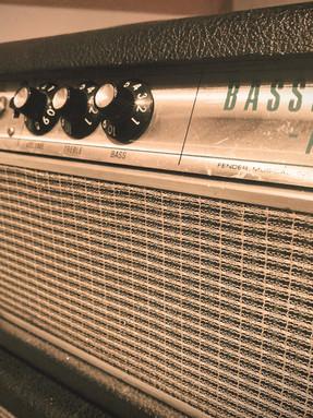 Ampli à lampe pour basses / Bassman Amp .jpg