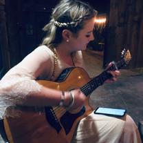 Uhaïna à la guitare - Label Baboo Music - Studio b - 47220 Astaffort