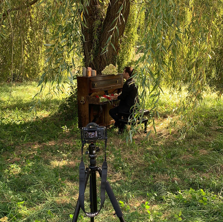 """Tournage clip Wery """" Il t'offrira des fleurs """" réalisé par Christophe De Almeida et Aurélie Cabrel - Label Baboo Music - Studio b - 47220 Astaffort"""