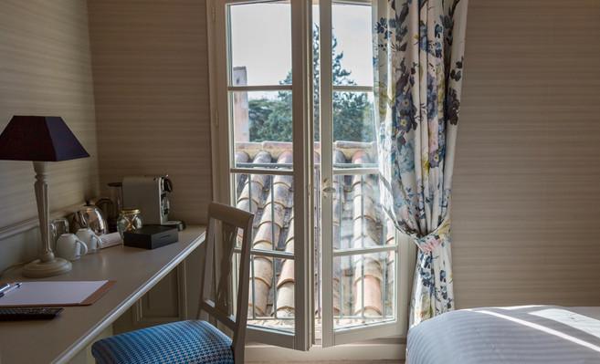 Chambre_classique_11_Hotel_Le_Square_Ast