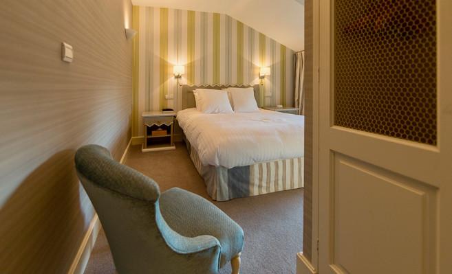 Chambre_classique_10_Hotel_Le_Square_Ast