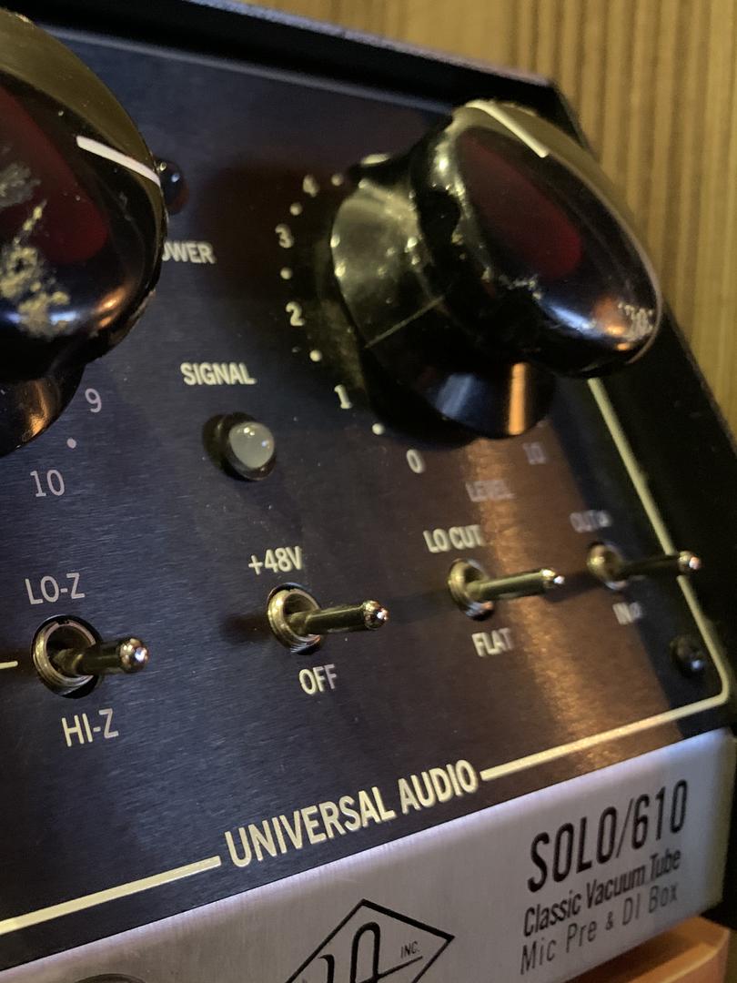 Préampli à lampe Universal Audio.HEIC