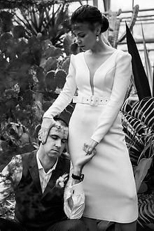 Невеста Мария в минималистичном свадебном платье Kate Midi