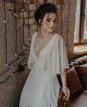 Невеста Мария в легком свадебном платье Iren в стиле Бохо