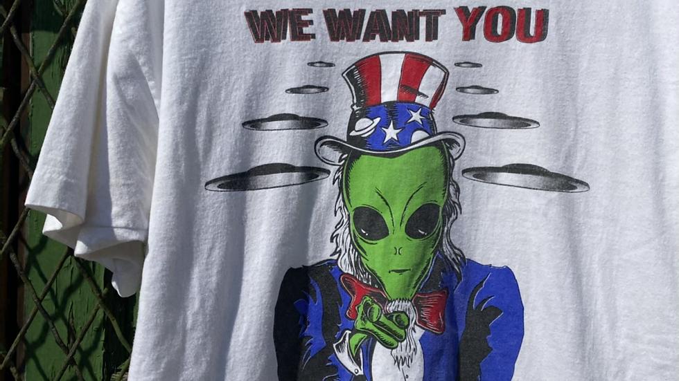 1995 Alien Tee