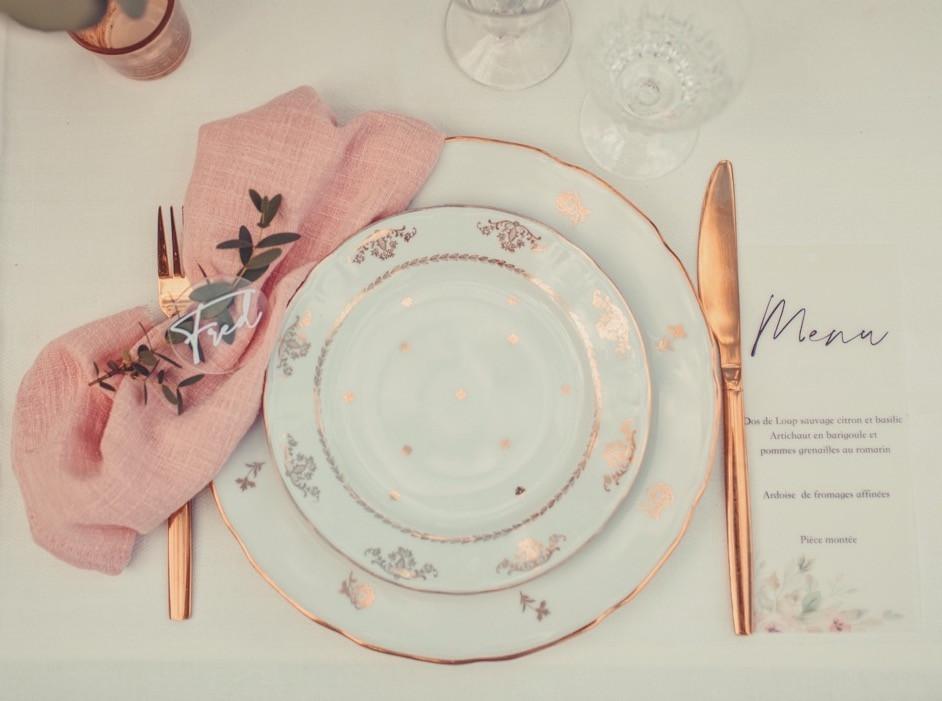 Menu et marque place mariage rose poudré et doré
