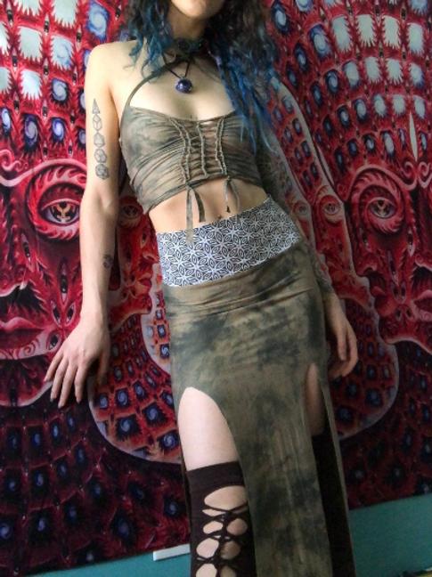 Virga Slit Skirt Set