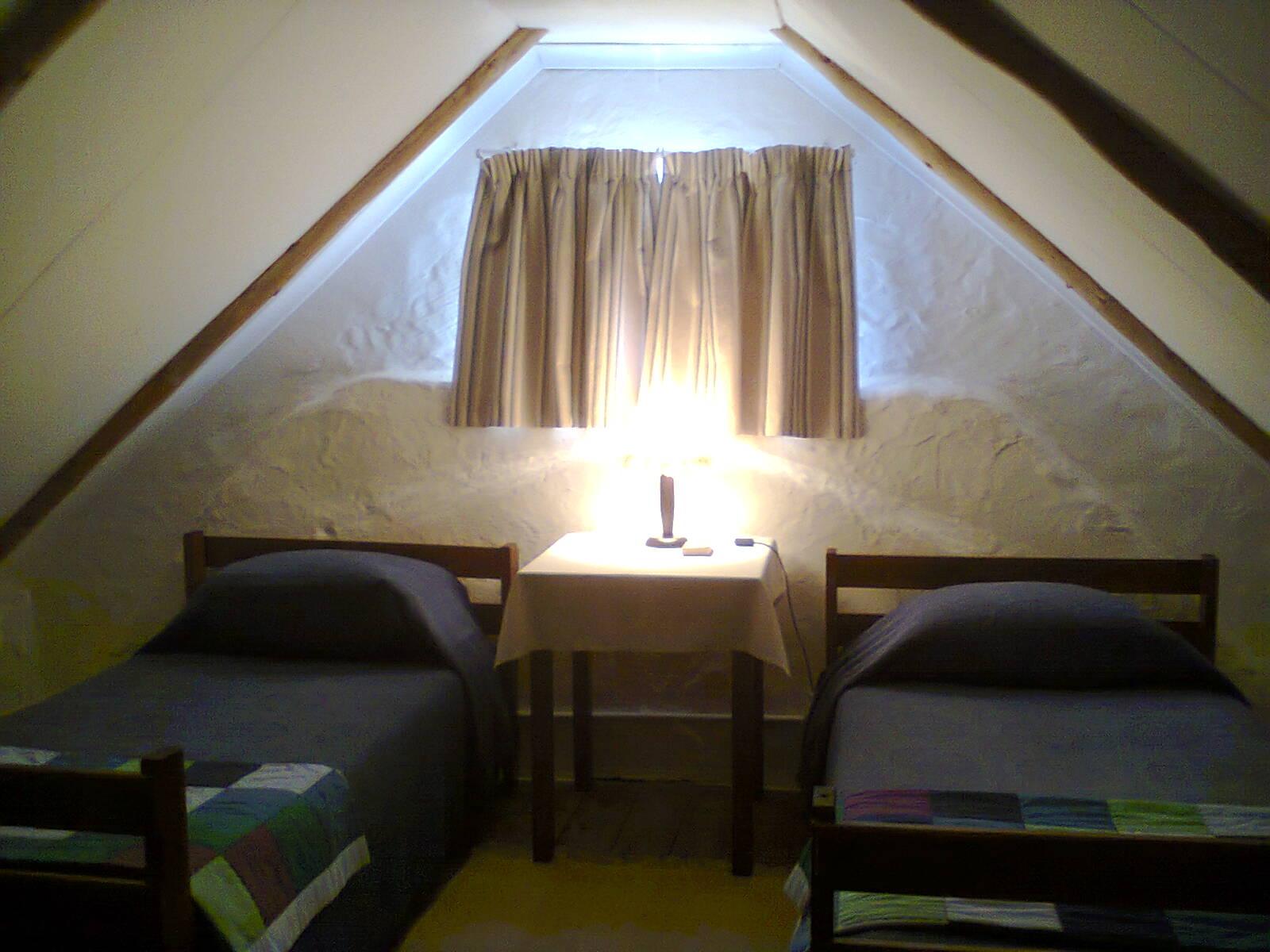 Die Stal second bedroom