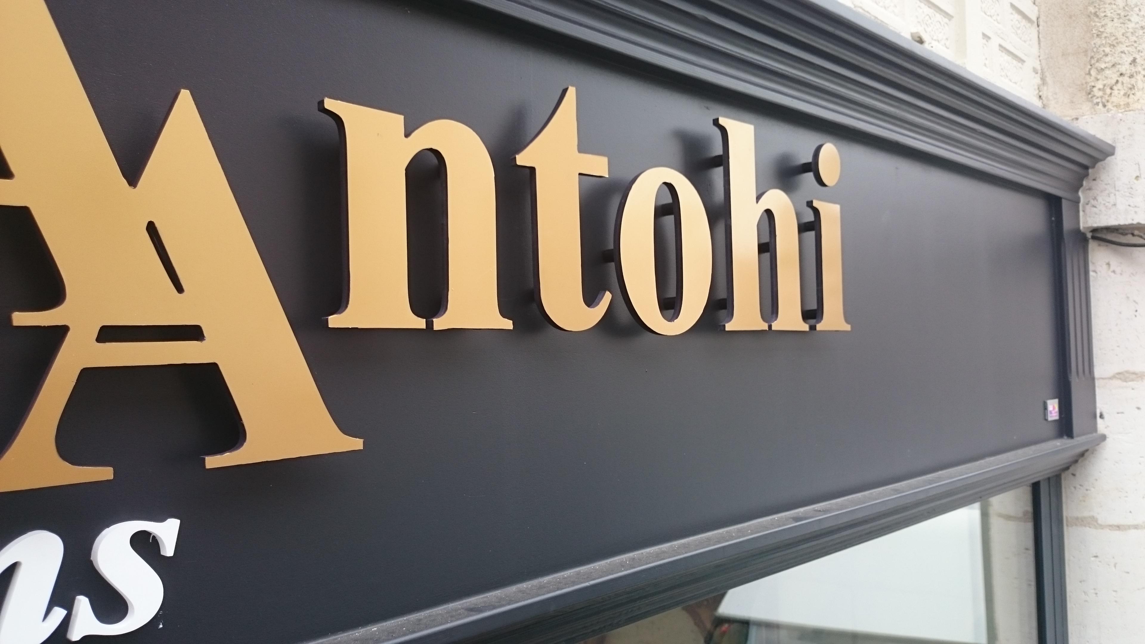 Enseigne Anghelina Antohi