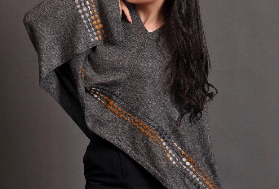 PEBBLES Woollen Poncho- Charcoal