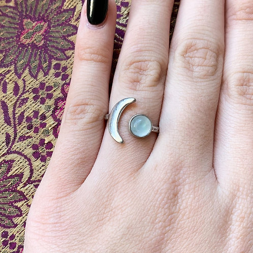 Mini Moon Ring