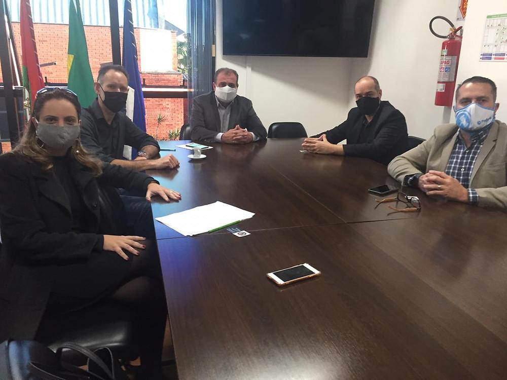 Lideranças da Ajorpeme com o presidente da Câmara de Vereadores de Joinville
