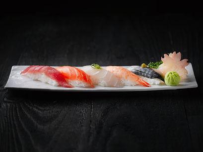 sushi-dish-2098134.jpg