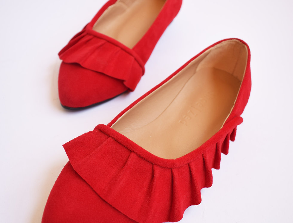 Ruffled Pointed Slip-on