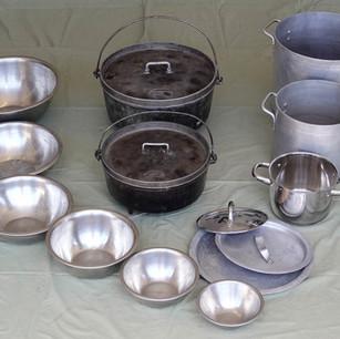 Pots, bowls & dutch ovens set