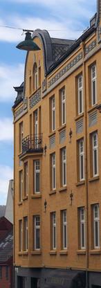 Rehablitering av fasade i Finnegårdsgaten. Nye vinduer levert og montert av OPA Glass.