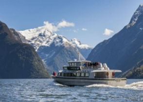 The-Helicopter-Line-Milford-Sound-Cruise