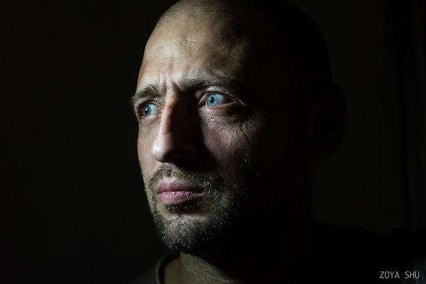 Дмитрийбыл обычным жителем Донецка, ког