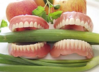 What to eat with brand new dentures?