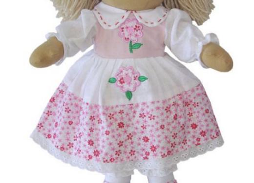 Muñeca de trapo rosa