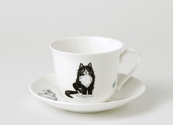 Taza desayuno con plato gatos