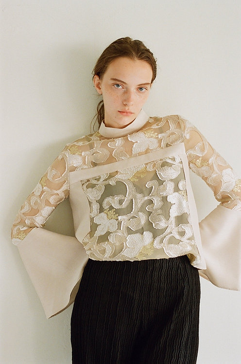 Flower cut jacuard Blouse