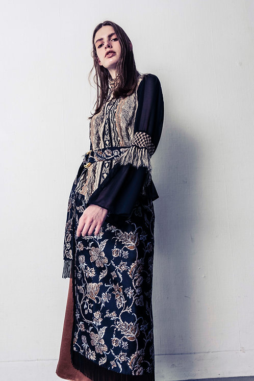 Fringe lace Blouse (BEIGE×BLACK)