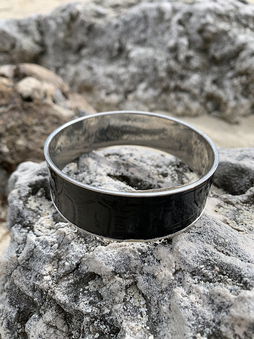 Dark Lane - Black leatherette bangle