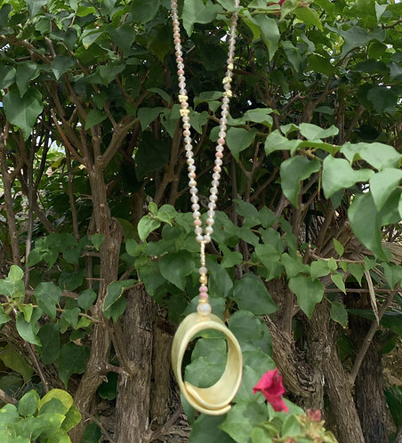 Orbis - Smooth stone and gold necklace
