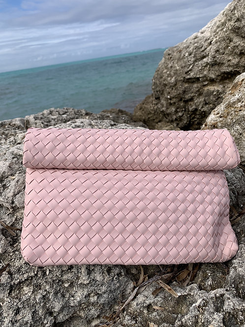 Bottega - Pink leatherette braided clutch