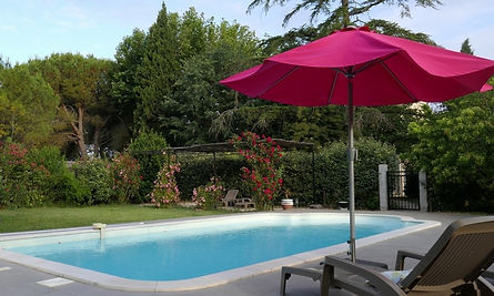 chambre-hote-provence-piscine.JPG