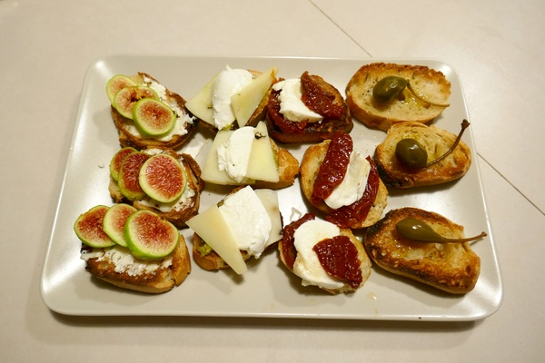 chambre-hotes-avignon-repas-bruschetta-s