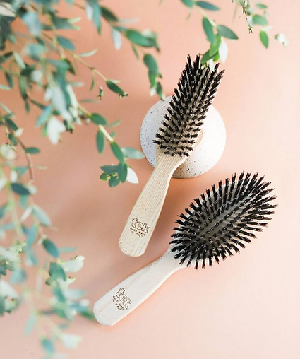 eco-friendly brushes hairbrush, not made in china, natural wood, natural material, non-toxic, plastic-free, vegan, certified eco-friendly, hypoallergenic, not made in china. made in USA brushes, hand made brushes. hair loss brushes, pregnancy. breastfeeding paddle animal free vegan combs, made in Italy brush, brushes, comb, combs, made in Spain