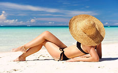 girl_on_the_beach_3_widescreen_wallpaper
