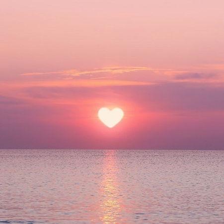 suncset, sunset heart sun, heart shape sun, organic plastic free brands